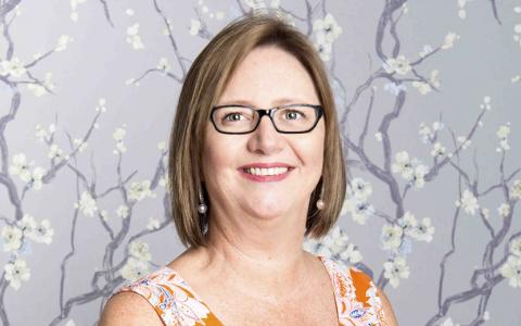 Dr Gillian van Iddekinge
